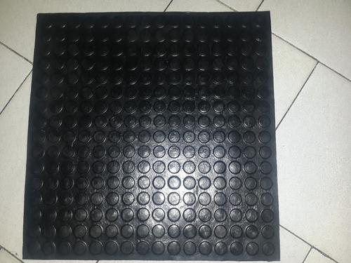 pisos goma boton vulcanizada 50x50 tipo a 4mm