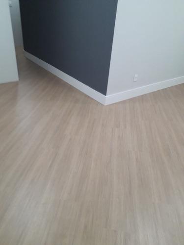 pisos laminado e venilyco  preço a combinar