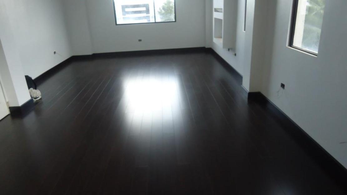 Pisos laminados madera maciza mantenimiento e - Como alquilar un piso ...