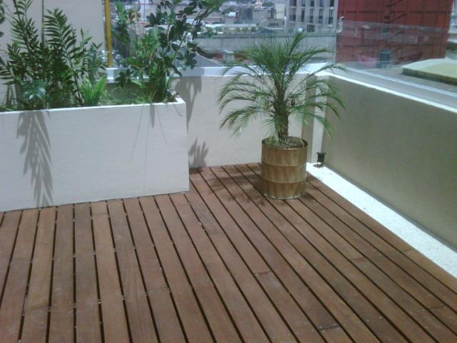 Pisos y decks de madera maciza y bamb en for Pisos deck de madera