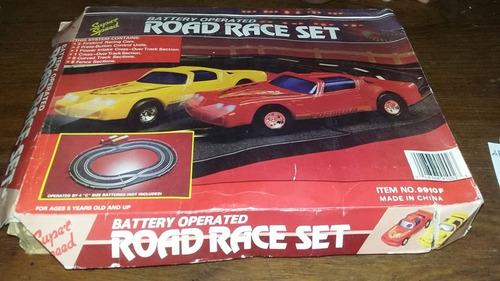 pista de auto road race set a pila $ 950 en su caja