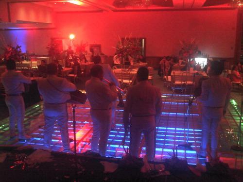 pista de baile de cristal iluminada