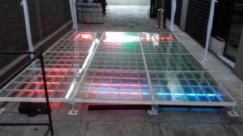 pista de cristal iluminada