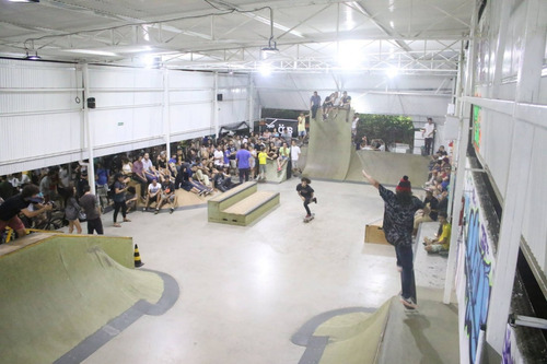 pista de skate - diversos obstáculos(25x10m)