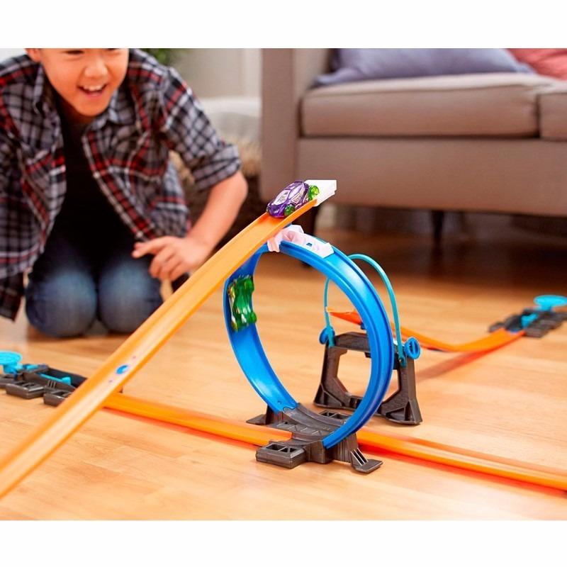 Pista Hot Wheelstrack Builder Com Looping E Ve Culo Mattel