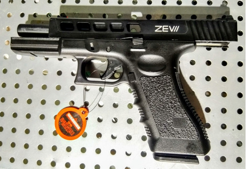 pistola airsoft glock 17 zev//, gas blowback, kit completo!!