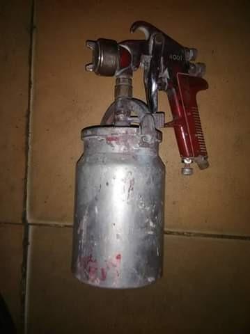 pistola de pintura para vehiculos.