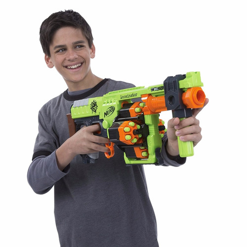 pistola nerf zombie strike doominator blaster 24 dardos