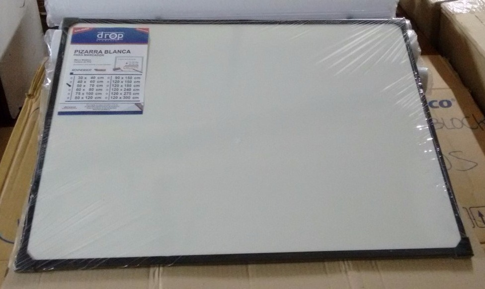 Pizarra Blanca 40 X 60 Cm Marco Metálico - $ 504,00 en Mercado Libre