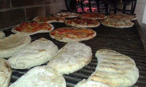 pizza a la parrilla, calzones, sand. calientes y chivitos.