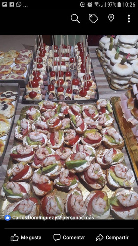 pizza party empanadas , pernil, catering evento . delicity