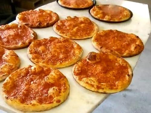 pizzas, bizcochos, borlas, medialunas, tortugas