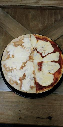 pizzas y pre-pizzas hace tu pedido con 24 hs de anticipación