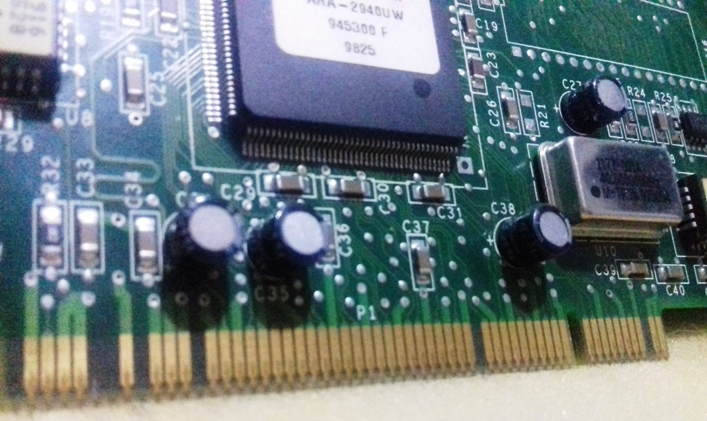 Adaptec AIC78xx PCI SCSI Descargar Controlador