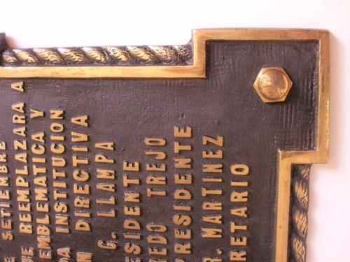 placa de bronce fundido