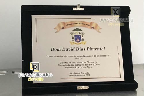 placa de homenagem sacerdotes, padre, pastor