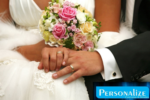 placa lá vem a noiva com renda e fita de cetim personalizada