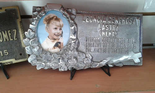 placa recordatoria cementerio fundicion