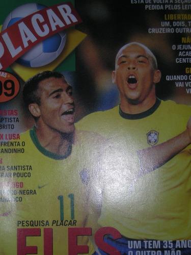 placar - ronaldinho e romário na capa - abril 2001