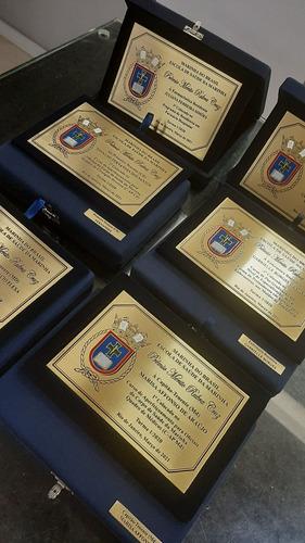 placas de homenagem e brindes