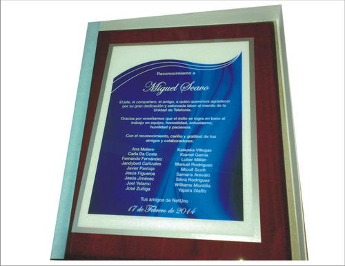 placas de reconocimiento, graduaciones, condecoraciones
