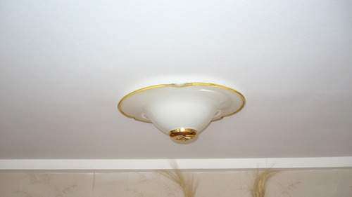 plafon de iluminacion de techo impecable