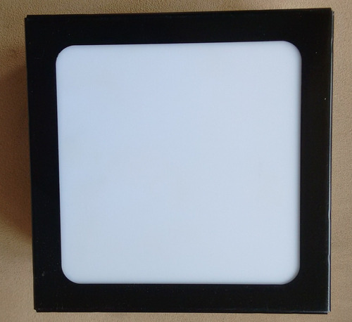 plafon de sobrepor quadrado preto  30x30x8 acrílico leitoso.