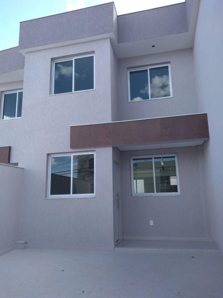 planalto. casa nova, moderna, independente. 3 quartos com suíte. 2 vagas. - 2574