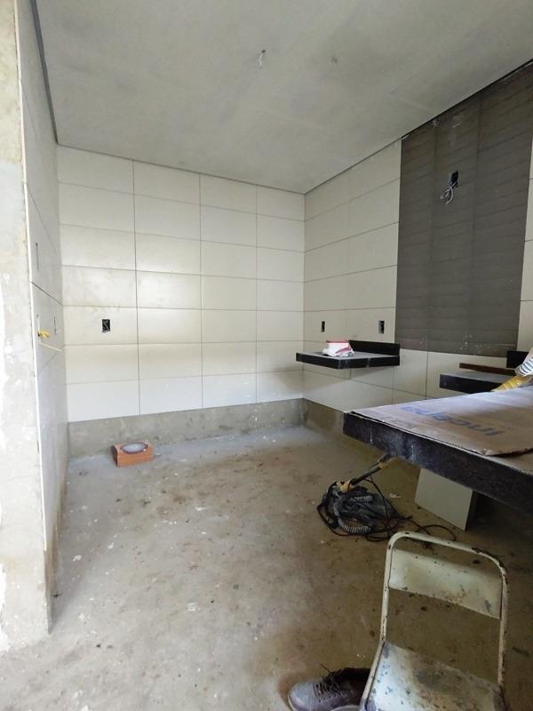 planalto. ótima casa. acabamento moderno e diferenciado. 1 suíte. 1 semi-suíte. - 2769