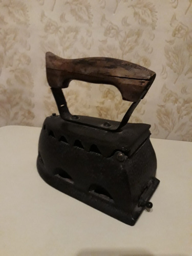 plancha antigua a carbón