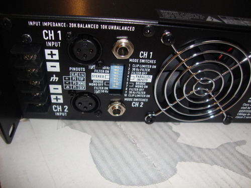 planta de sonido qsc rmx 2450 de 1200w
