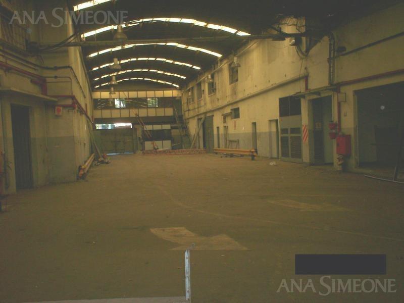 planta industrial de 3.500m2 salida a 3 calles