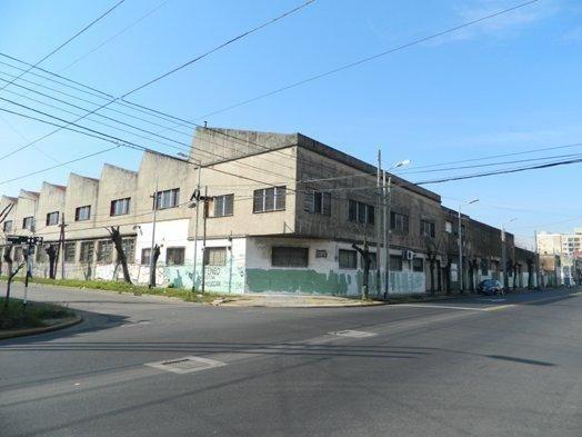 planta industrial de 8590 m2. playa de maniobras.