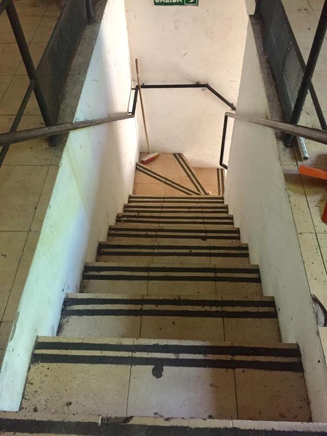 planta libre 174 metros primer piso por escalera