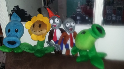 plantas vs zombies.peluches plantas