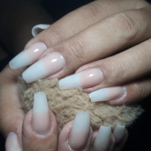 plástica dos pés e alongamentos de unhas