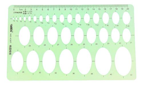 plástico herramienta de dibujo de redacción regla en la