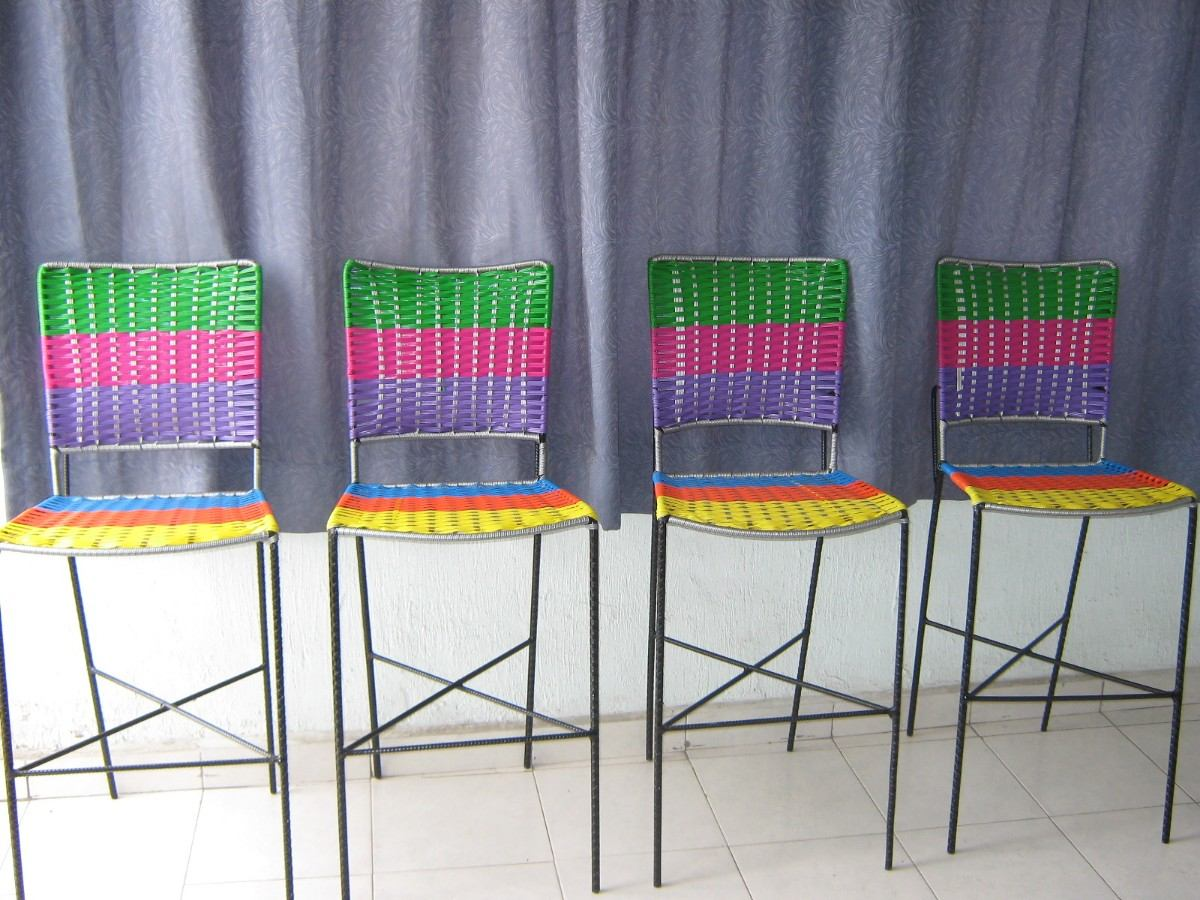 Sillas tejidas con plastico respaldo alto y banco para for Sillas de colores para cocina