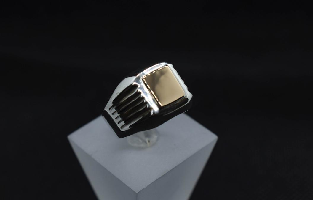 b9242de92730 Anillo Sello Hombre Plata 950 Con Oro 16k - Neko Rings -   29.990 en  Mercado Libre