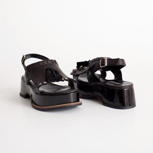plataforma de cuero. art baru negro. otro calzado