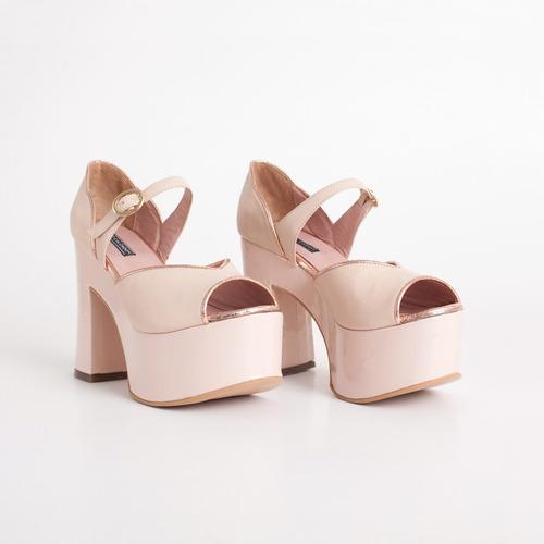 plataforma de cuero. art parati rosa. otro calzado