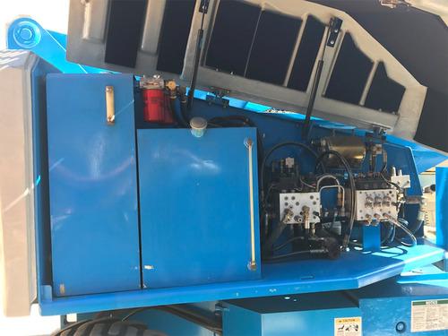 plataforma de elevación 4x4 genie s60  motor a gasolina 2004