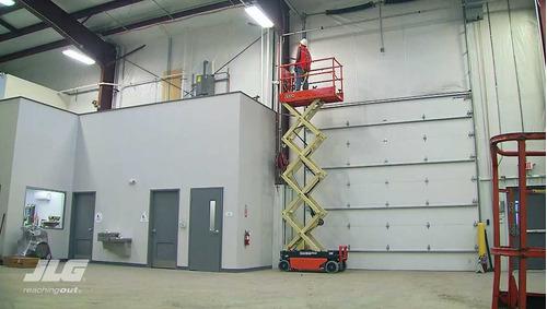plataforma elevadora tijera jlg  8 metros altura de trabajo