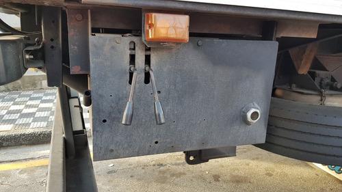 plataforma elevatoria 2t toco truck instalada