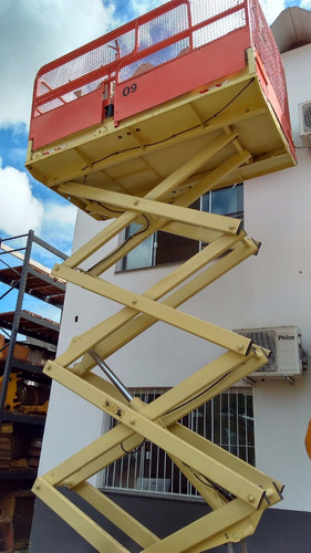plataforma tesoura jlg 2658f eletrica 10 metros semi nova