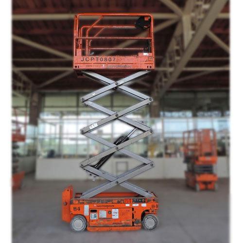 plataforma tijera 8 m usada año 2011 ( no incluye iva)