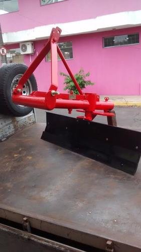 plataforma traseira hidráulica e implementos a parte.