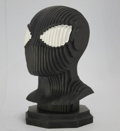 plate head homem aranha preto  em mdf 18cm