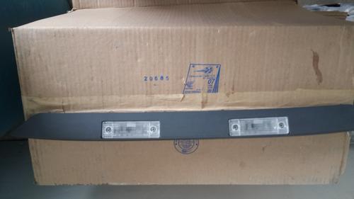 platina con luz de placa para aveo 2006/2010