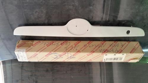 platina de  maleta toyota corolla 2003 al 2008 original